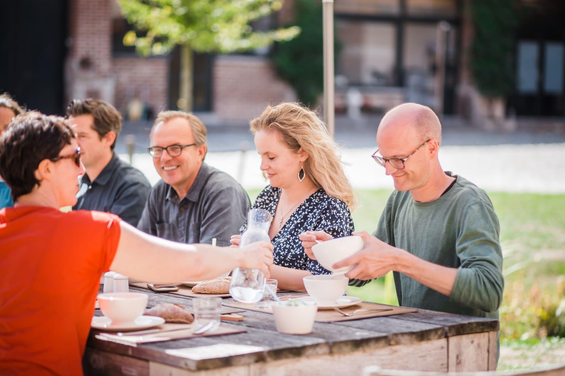 Kasteelhoeve Wange familie & vrienden weekend weg brunch Landen verbinden genieten barbecue