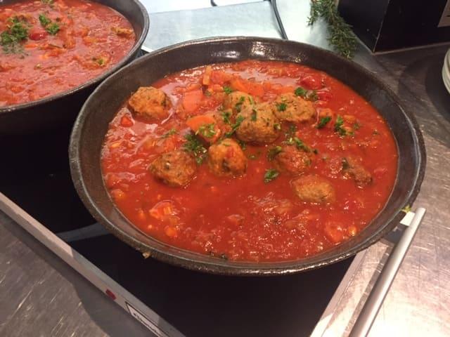 Kasteelhoeve Wange recepten balletjes in tomatensaus faciliteiten maaltijd pure keuken bio
