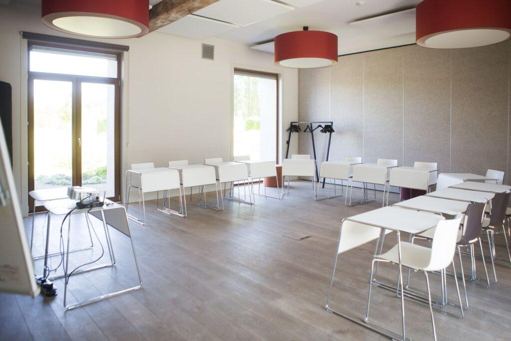Kasteelhoeve Wange faciliteiten bedrijven & organisaties vergaderen meeting workshops verenigingen bedrijven & organisaties teambuilding Landen